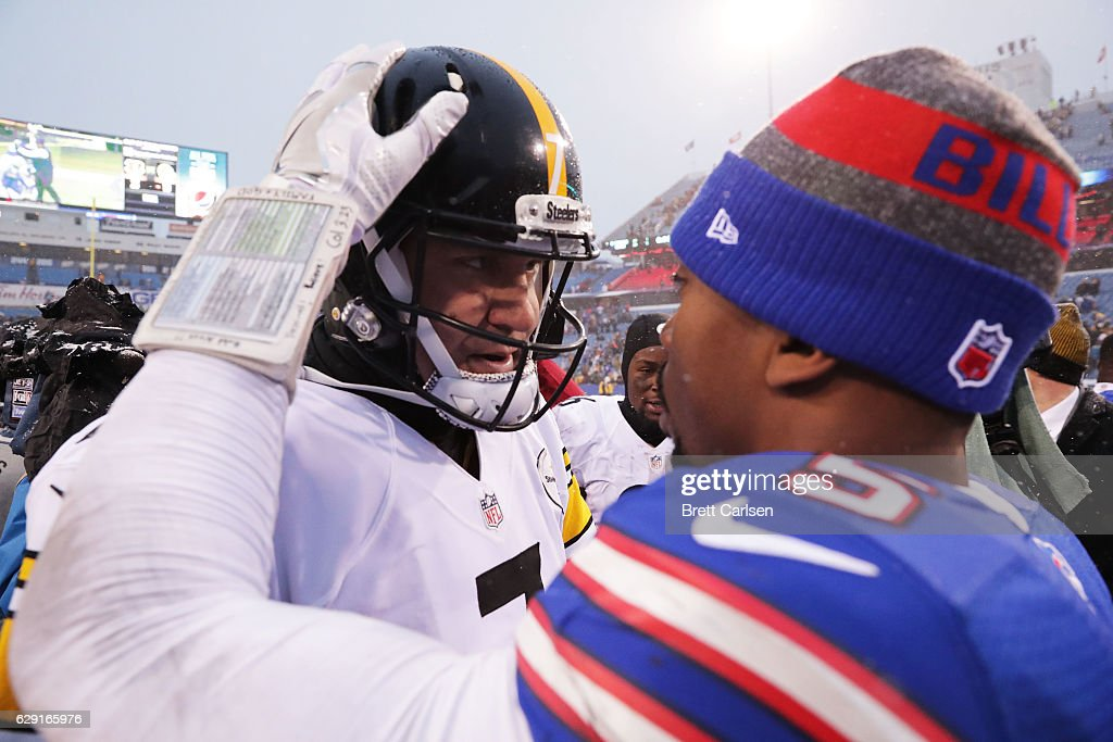 Ben Roethlisberger #7 of the Pittsburgh Steelers talks with Tyrod Taylor #5 of the Buffalo Bills after the game at New Era Field on December 11, 2016 in Orchard Park, New York.