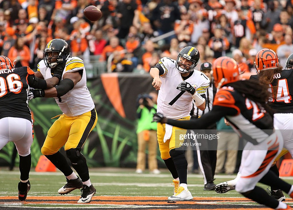 Ben Roethlisberger #7 of the Pittsburgh Steelers throws a pass during the second quarter of the game against the Cincinnati Bengals at Paul Brown Stadium on December 13, 2015 in Cincinnati, Ohio.