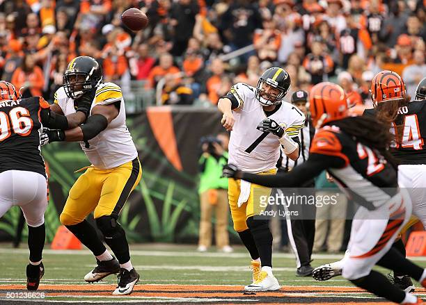 Ben Roethlisberger of the Pittsburgh Steelers throws a pass during the second quarter of the game against the Cincinnati Bengals at Paul Brown...