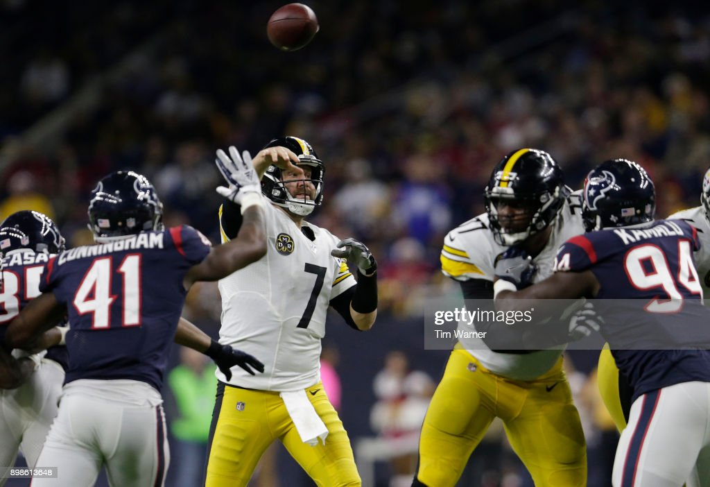 Ben Roethlisberger #7 of the Pittsburgh Steelers throws a pass in the third quarter under pressure by Zach Cunningham #41 of the Houston Texans at NRG Stadium on December 25, 2017 in Houston, Texas.
