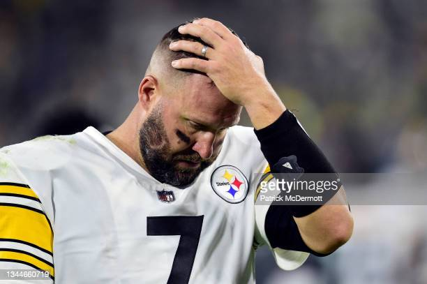 Ben Roethlisberger of the Pittsburgh Steelers walks off the field after losing to the Green Bay Packers 27-17 at Lambeau Field on October 03, 2021 in...