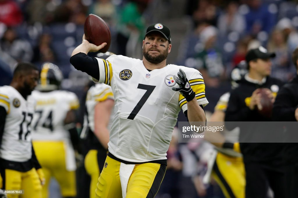 Ben Roethlisberger #7 of the Pittsburgh Steelers warms up before the game against the Houston Texans at NRG Stadium on December 25, 2017 in Houston, Texas.
