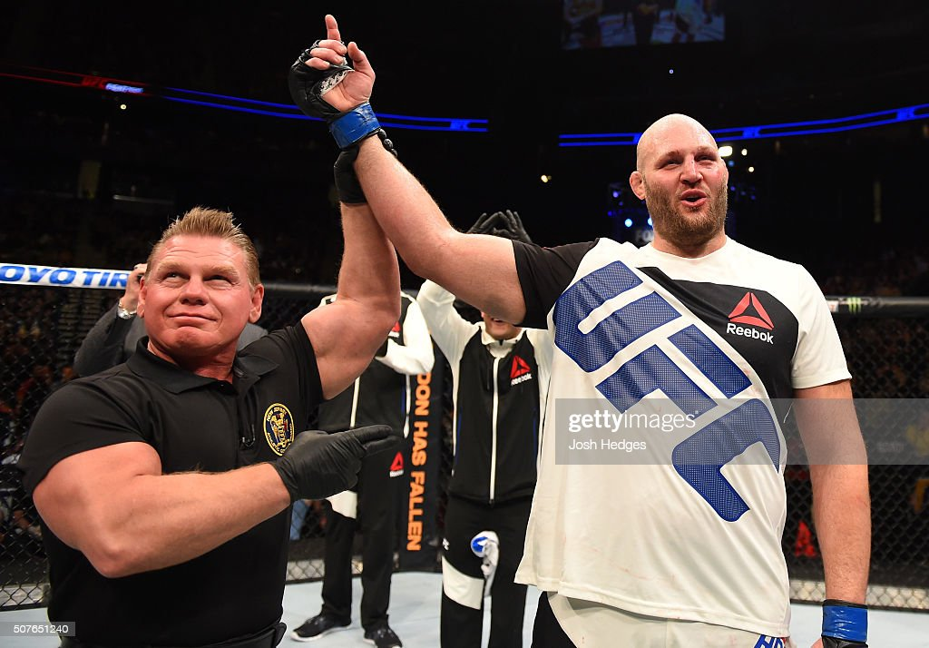 UFC Fight Night: Barnett v Rothwell : News Photo