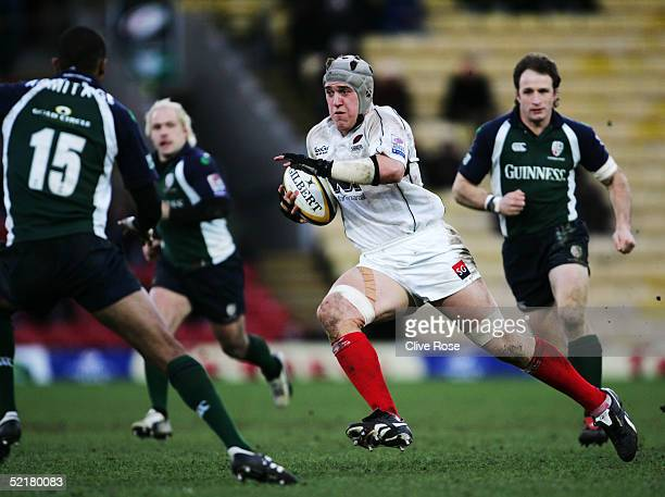 Ben Skirving of Saracens on the charge during the Powergen Cup quarter final match between Saracens and London Irish at Vicarage Road on January 23...
