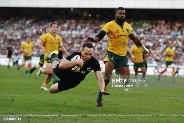 Ben Smith of the All Blacks scores a try during the Bledisloe Cup test match between the New Zealand All Blacks and Australian Wallabies at Nissan...