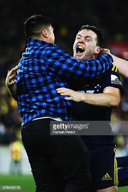 Ben Smith of the Highlanders celebrates after winning the Super Rugby Final match between the Hurricanes and the Highlanders at Westpac Stadium on...