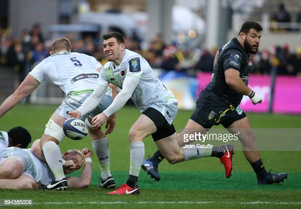 Ben Spencer of Saracens Rabah Slimani of Clermont during the European Rugby Champions Cup match between ASM Clermont Auvergne and Saracens at Stade...