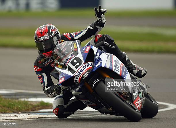Ben Spies of the USA and the Yamaha WSB team waves to the crowds prior to race one of the Superbike World Championship at Donington Park on June 28...