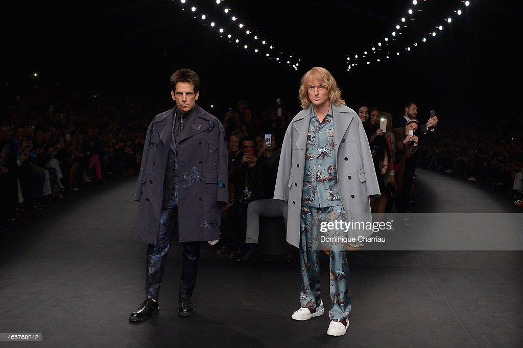 Valentino : Runway - Paris Fashion Week Womenswear Fall/Winter 2015/2016 : News Photo
