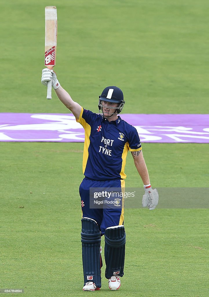 Durham v Nottinghamshire Outlaws - Royal London One-Day Cup 2014 Semi Final