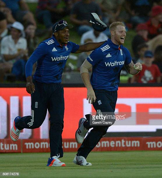 Ben Stokes of England celebrates with Chris Jordan after catching out AB de Villiers of South Africa during the 1st Momentum ODI match between South...