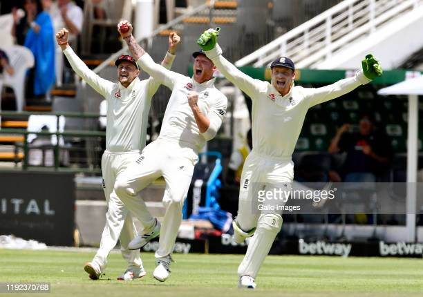 Ben Stokes of England takes the catch to dismiss Pieter Malan of South Africa in his innings of 84 runs during day 5 of the 2nd Test match between...