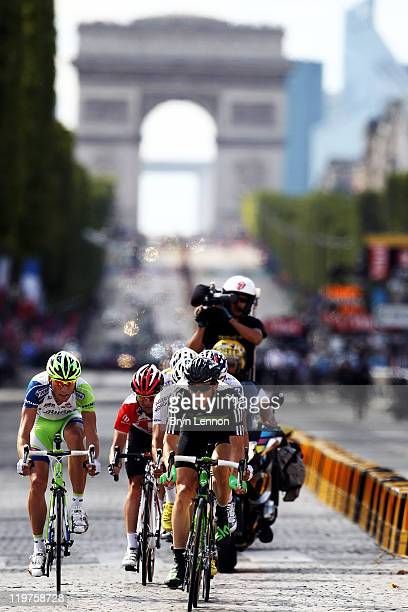 Ben Swift of team SKY drives the breakaway during the twenty first and final stage of Le Tour de France 2011 from Creteil to the ChampsElysees in...