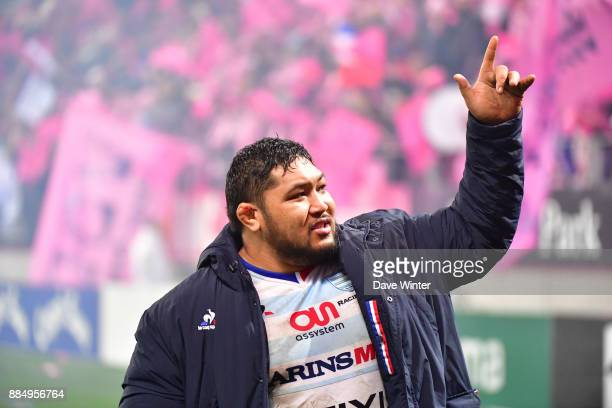 Ben Tameifuna of Racing 92salutes the fans after the Top 14 match between Stade Francais and Racing 92 on December 3 2017 in Paris France