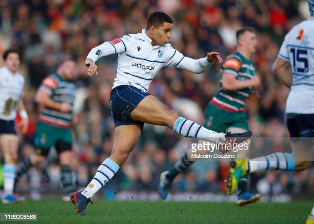 Ben Thomas of Cardiff Blues during the European Rugby Challenge Cup Round 4 match between Leicester Tigers and Cardiff Blues at Welford Road Stadium...