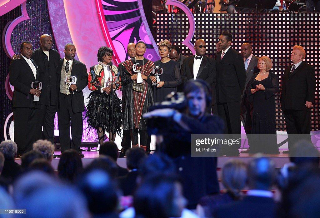 5th Annual TV Land Awards - Show : News Photo
