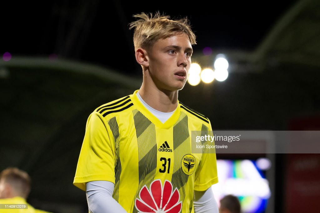 SOCCER: MAY 03 Hyundai A-League - Wellington Phoenix at Melbourne Victory : News Photo