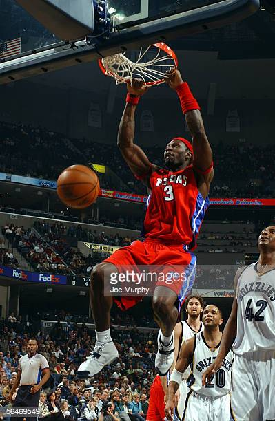 Ben Wallace of the Detroit Pistons dunks against the Memphis Grizzlies on December 19 2005 at FedexForum in Memphis Tennessee NOTE TO USER User...