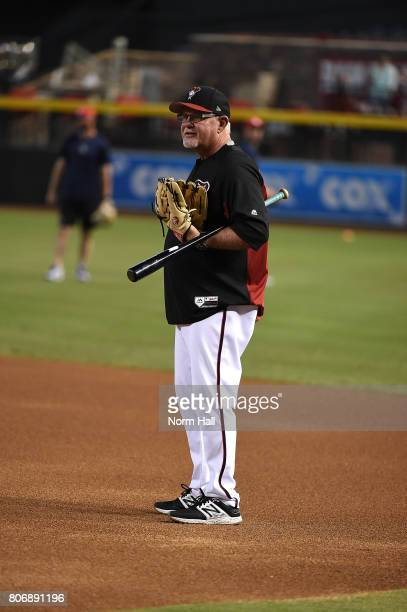 Bench coach Ron Gardenhire of the Arizona Diamondbacks watches batting practice prior to a game against the Colorado Rockies at Chase Field on July 1...