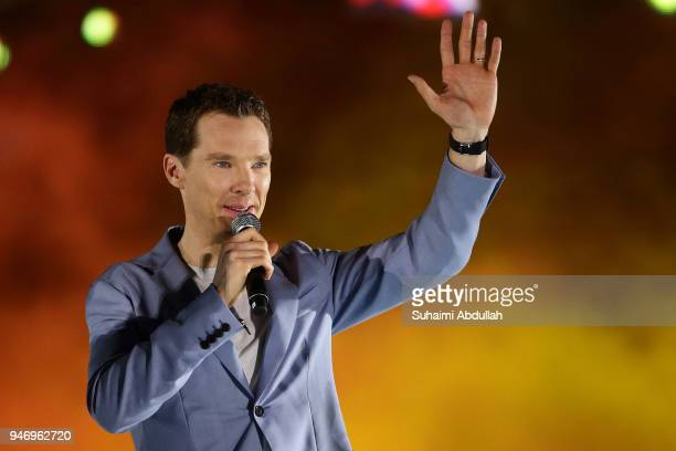 Benedict Cumberbatch attends the Marvel Studios Avengers Infinity War Red Carpet Fan Event at Marina Bay Sands Event Plaza on April 16 2018 in...