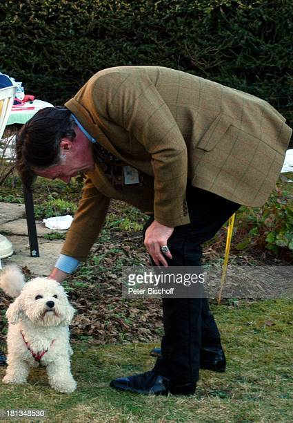 Benedict Freitag , Hund Vasti, Feier zum 90. Geburtstag von R o b e r t F r e i t a g, Homestory, Grünwald bei München, Deutschland, ,