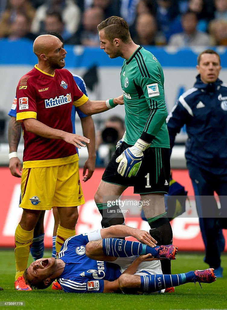 FC Schalke 04 v SC Paderborn 07 - Bundesliga : News Photo