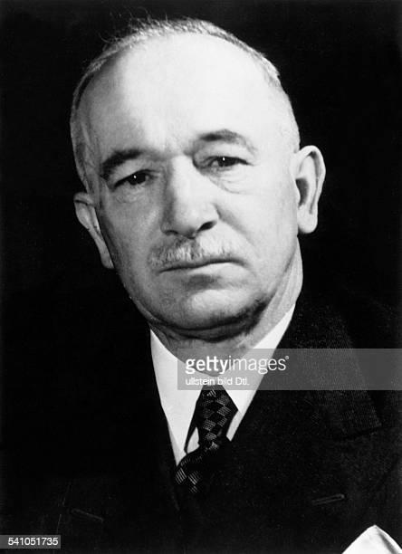 Benes Edvard *28051884Politiker TschechoslowakeiStaatspraesident von 193538 und 194548 als Staatspraesident derwiedererrichteten Tschechoslowakei...