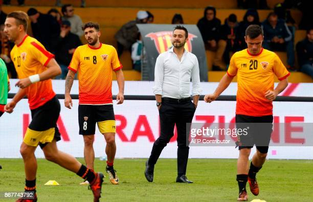 Benevento's Italian coach Roberto De Zerbi looks at his players before the Italian Serie a football match Benevento Calcio vs SS Lazio on october 29...