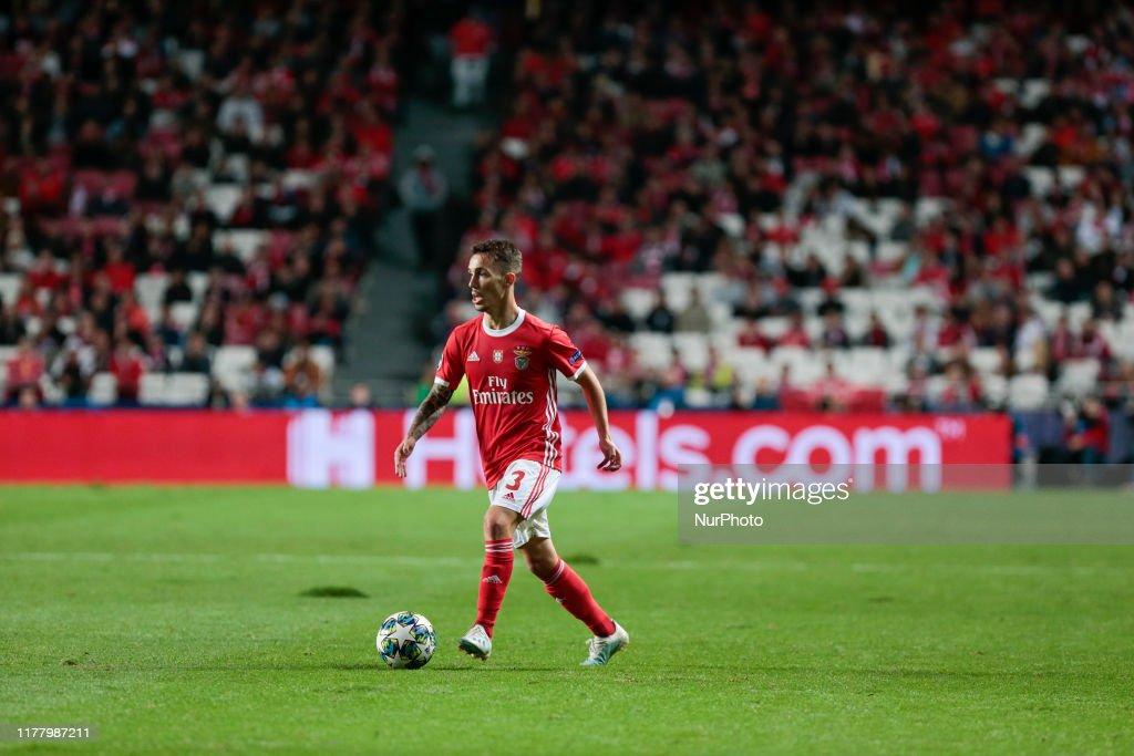 SL Benfica v Olympique Lyon: Group G - UEFA Champions League : Photo d'actualité