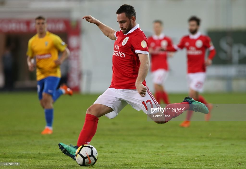 GD Estoril Praia v SL Benfica - Primeira Liga : News Photo