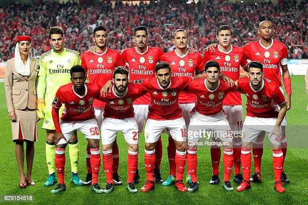 Benfica initial team during the match between SL Benfica v Sporting CP for the Portugueses Primeira Liga at Estadio da Luz on December 11 2016 in...
