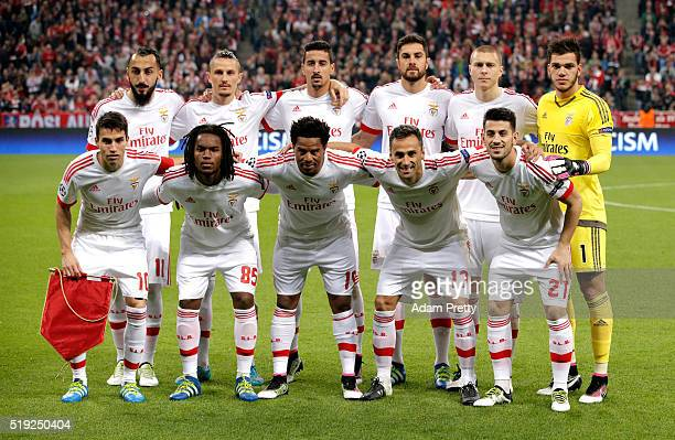 Benfica line up prior to the UEFA Champions League quarter final first leg match between FC Bayern Muenchen and SL Benfica at Allianz Arena on April...