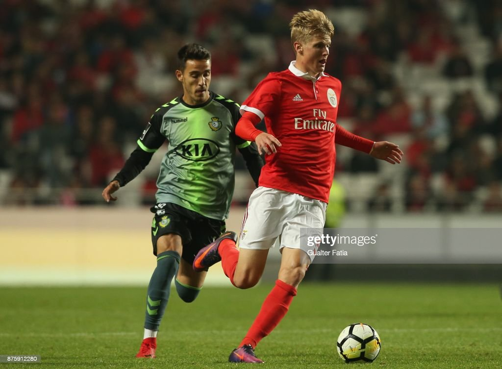 SL Benfica midfielder Keaton Parks from United States of America with Vitoria Setubal midfielder Joao Teixeira from Portugal in action during the Portuguese Cup match between SL Benfica and Vitoria Setubal at Estadio da Luz on November 18, 2017 in Lisbon, Portugal.