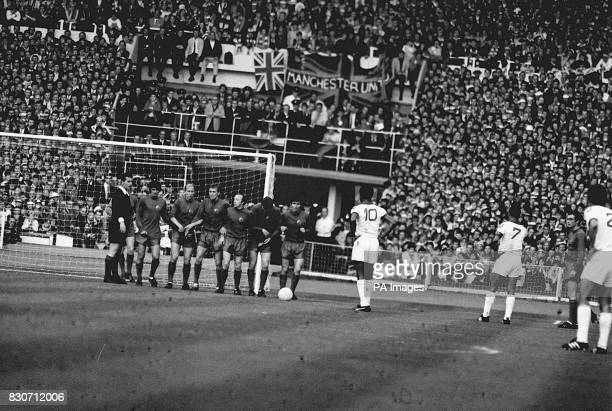 Benfica player Eusebio Ferreira da Silva lining up to take a free kick in the European Cup Final against Manchester United at Wembley
