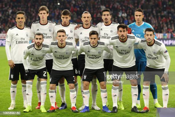 Benfica players line up prior to the UEFA Champions League Group E match between FC Bayern Muenchen and SL Benfica at Fussball Arena Muenchen on...