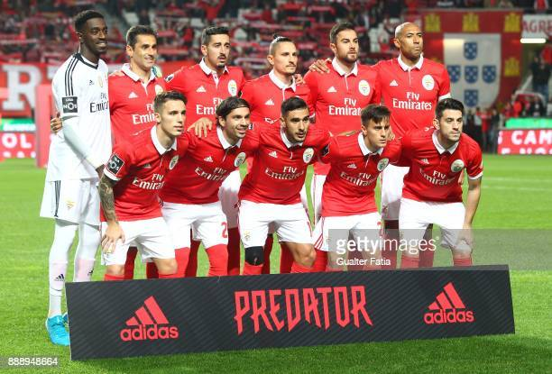 Benfica players pose for a team photo before the start of the Primeira Liga match between SL Benfica and GD Estoril Praia at Estadio da Luz on...