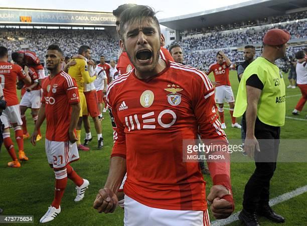 Benfica's Argentinian forward Eduardo Salvio celebrates at the end of the Portuguese league football match Vitoria SC vs SL Benfica at the Dom Afonso...