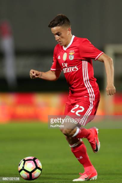 Benfica's Argentinian forward Franco Cervi in action during the Premier League 2016/17 match between Rio Ave and SL Benfica at Arcos Stadium in Vila...