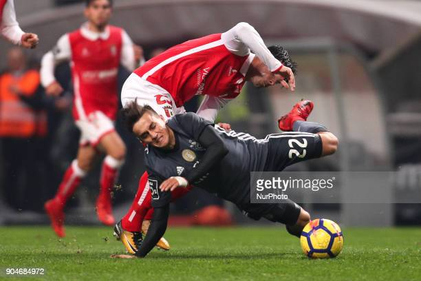 Benfica's Argentinian forward Franco Cervi vies with Braga's Portuguese midfielder Joao Carlos Teixeira during the Premier League 2017/18 match...