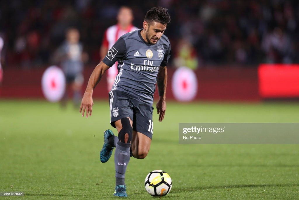 Benfica's Argentinian forward Toto Salvio during the Premier League 2017/18 match between CD Aves and SL Benfica, at Estadio do Clube Desportivo das Aves in Aves on October 22, 2017.