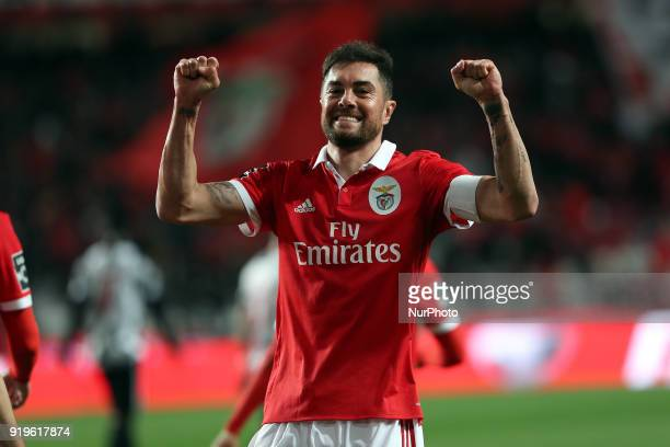 Benfica's Brazilian defender Jardel celebrates after scoring a goal during the Portuguese League football match SL Benfica vs Boavista FC at the Luz...