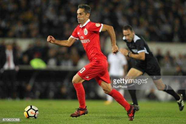 Benfica's Brazilian forward Jonas during the Premier League 2017/18 match between Vitoria SC and SL Benfica at Dao Afonso Henriques Stadium in...