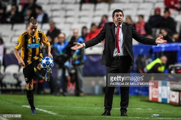Benfica's coach Rui Vitoria gestures during the UEFA Champions League group E football match between SL Benfica and AEK Athens FC at the Luz stadium...
