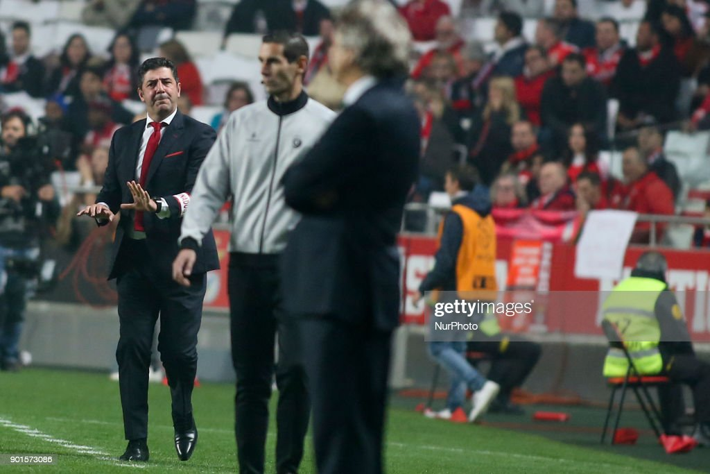 Benfica's coach Rui Vitoria reacts during the Portuguese League football match between SL Benfica and Sporting CP at Luz Stadium in Lisbon on January 3, 2018.