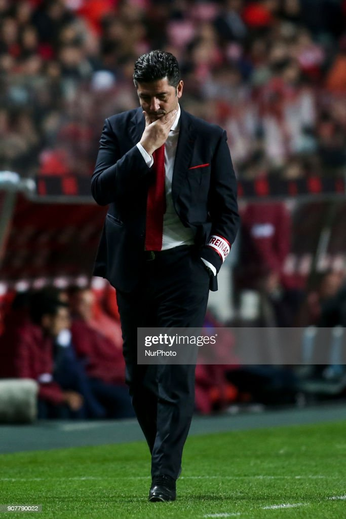 Benfica's coach Rui Vitoria reacts during the Portuguese League football match between SL Benfica and GD Chaves at Luz Stadium in Lisbon on January 20, 2018.