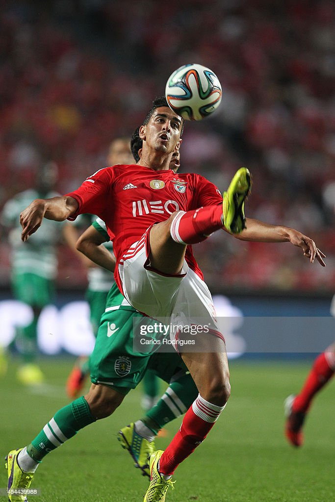Benfica's defender Andre Almeida during the Primeira Liga match between SL Benfica and Sporting CP at Estadio da Luz on August 31, 2014 in Lisbon, Portugal. (Photo by Carlos Rodrigues/Getty Images).