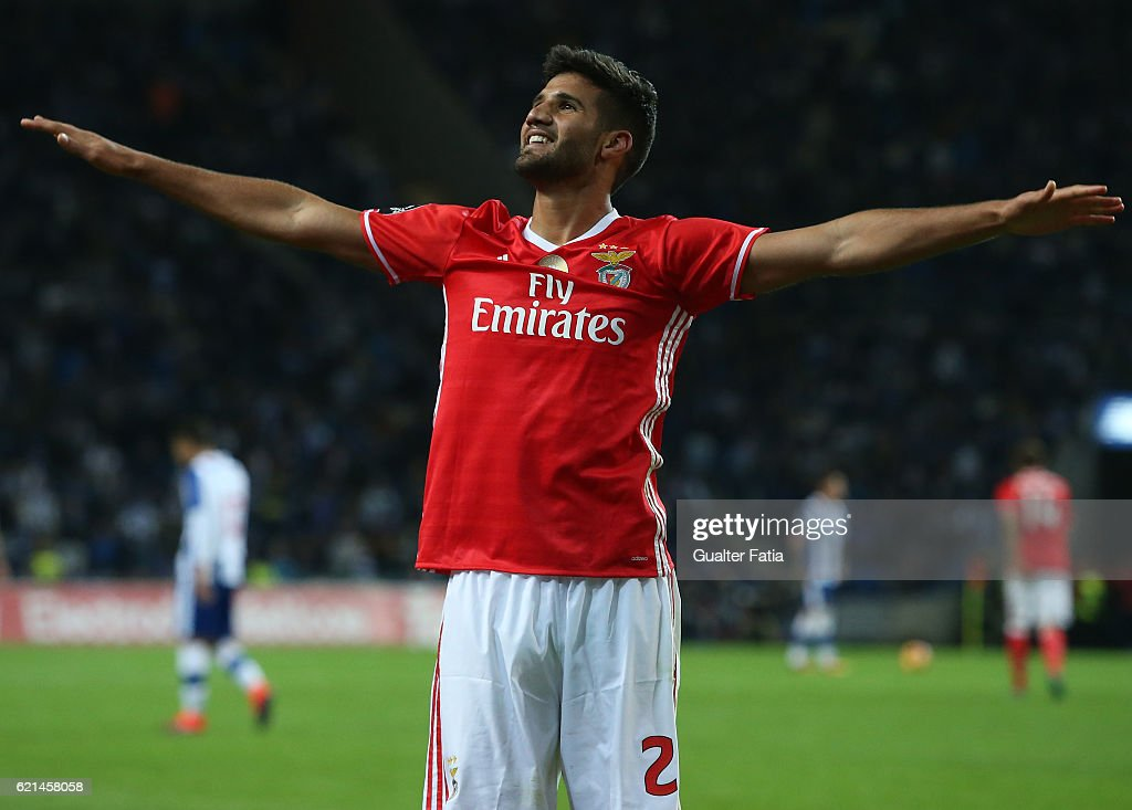 SL Benfica's defender from Argentina Lisandro Lopez celebrates after scoring a goal during the Primeira Liga match between FC Porto and SL Benfica at Estadio do Dragao on November 6, 2016 in Porto, Portugal.