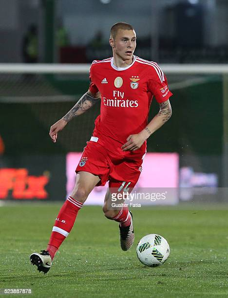 Benfica's defender from Sweden Victor Lindelof in action during the Primeira Liga match between Rio Ave FC and SL Benfica at Estadio dos Arcos on...