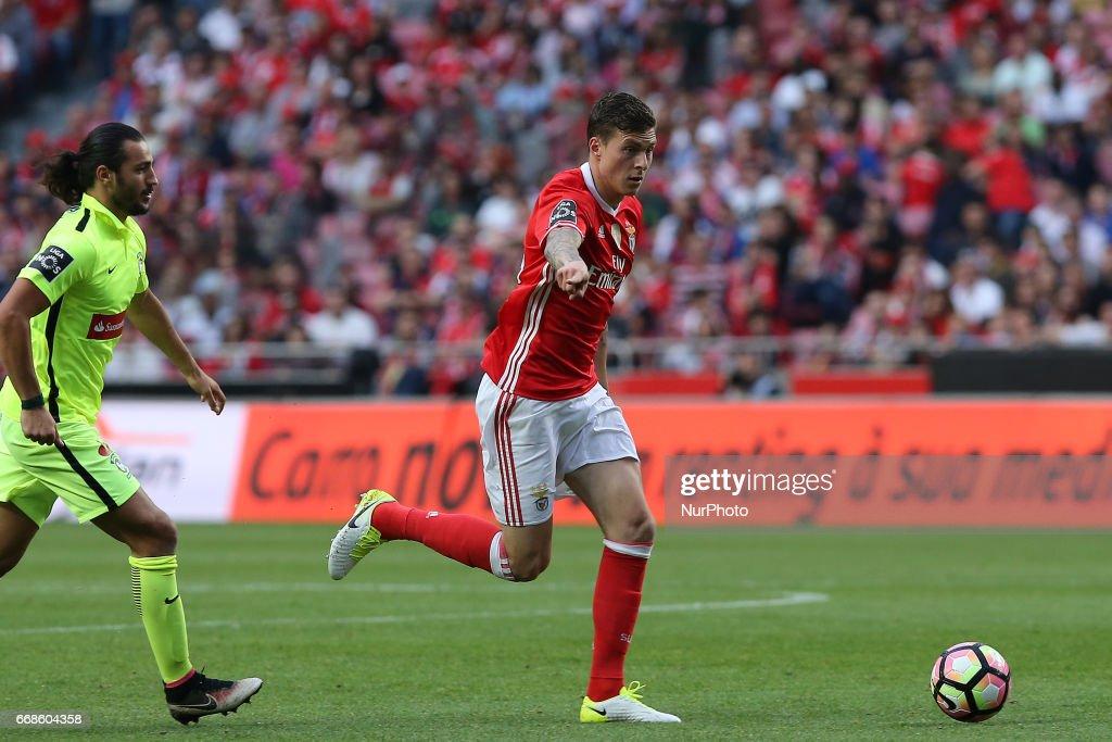 SL Benfica v Martimo M. - Premier League 2016/17 : News Photo