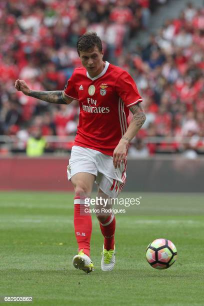 Benfica's defender Victor NilssonLindelof from Sweden during the match between SL Benfica and Vitoria SC for the Portuguese Primeira Liga at Estadio...